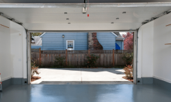 3 Advantages of Epoxy Sealing Your Garage Floor