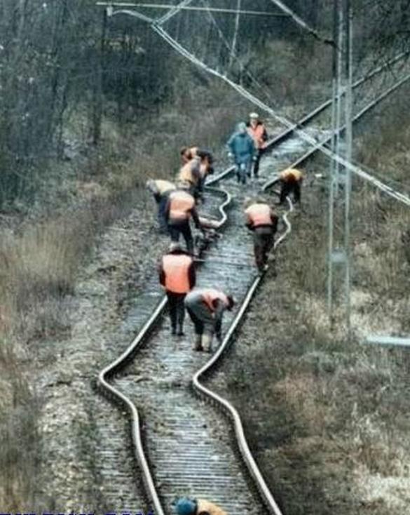 Railroad Building Fail - Construction Mistakes
